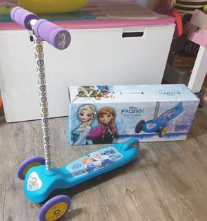 Disney Frozen 3 Wheels Scooter