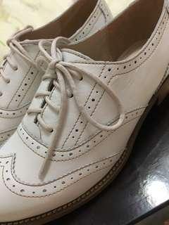 🚚 Fair Lady 白色羊皮牛津鞋