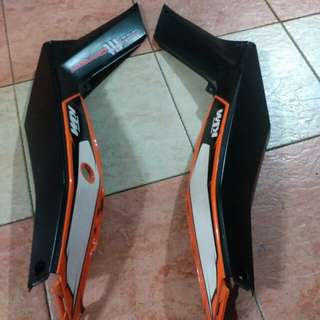 Side cover ktm duke 200
