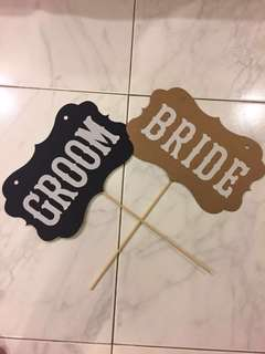 10 pairs of Bride groom signs for table games