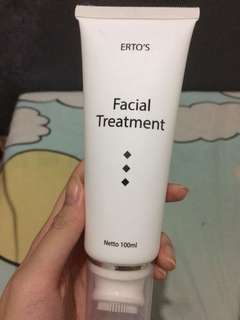 Facial foam treatment by ertos