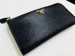 Prada 銀包 女裝 黑色 100%real 95%new 沒單沒盒