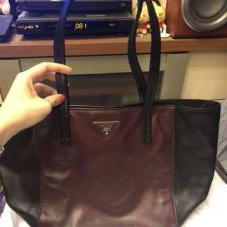Prada黑x棗紅軟牛皮tote bag