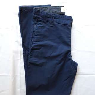 OLD NAVY jeans (size 10/skinny fit/blue)