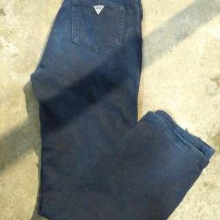 Jeans guess sz 28 ft 29