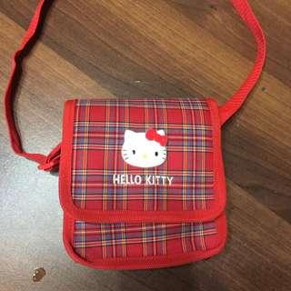 🚚 日本帶回來的Kitty小側背包。1歲~大班都適合    8成新。