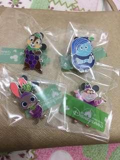 Disney game pins 迪士尼徽章襟章 加利布尼市集。大鼻與鋼牙 妙妙貓 呀愁