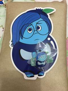 迪士尼 呀愁 Disney sadness pins 徽章明信片