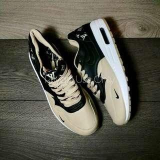 Louis Vuitton x Nike Air Max Lunar 1 Black Brown