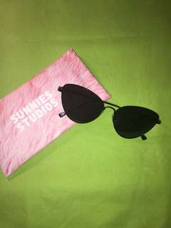 Sunnies shades