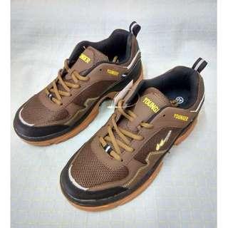 有春ㄟ舖╭☆°休閒 運動鞋 學生鞋 工作鞋 縫線 透氣網面 熱塑橡膠大底╭☆°6818