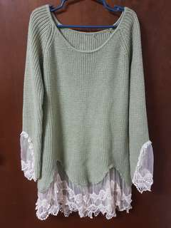 Green knitted sweater w/ lace detail