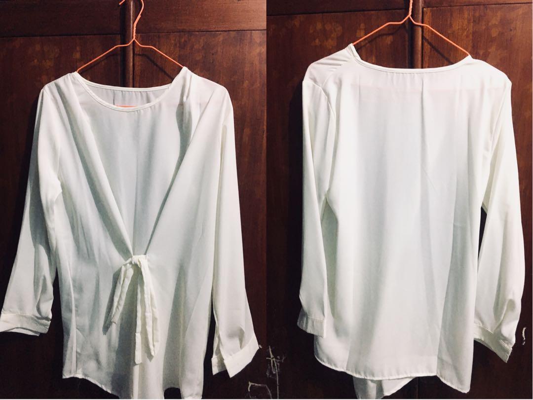 Blouse Putih Fesyen Wanita Pakaian Atasan Di Carousell Good Deal Paket Croptee 3pcs