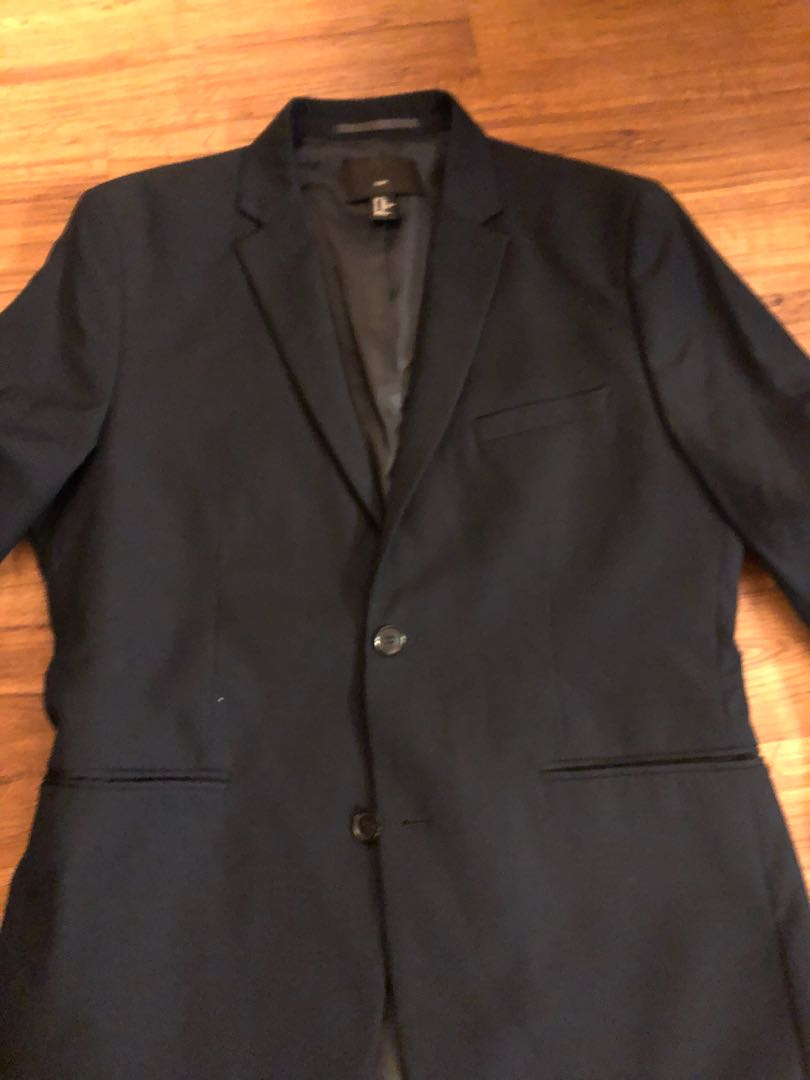7ee8be4ec7ce H&M navy blue blazer, Men's Fashion, Clothes on Carousell
