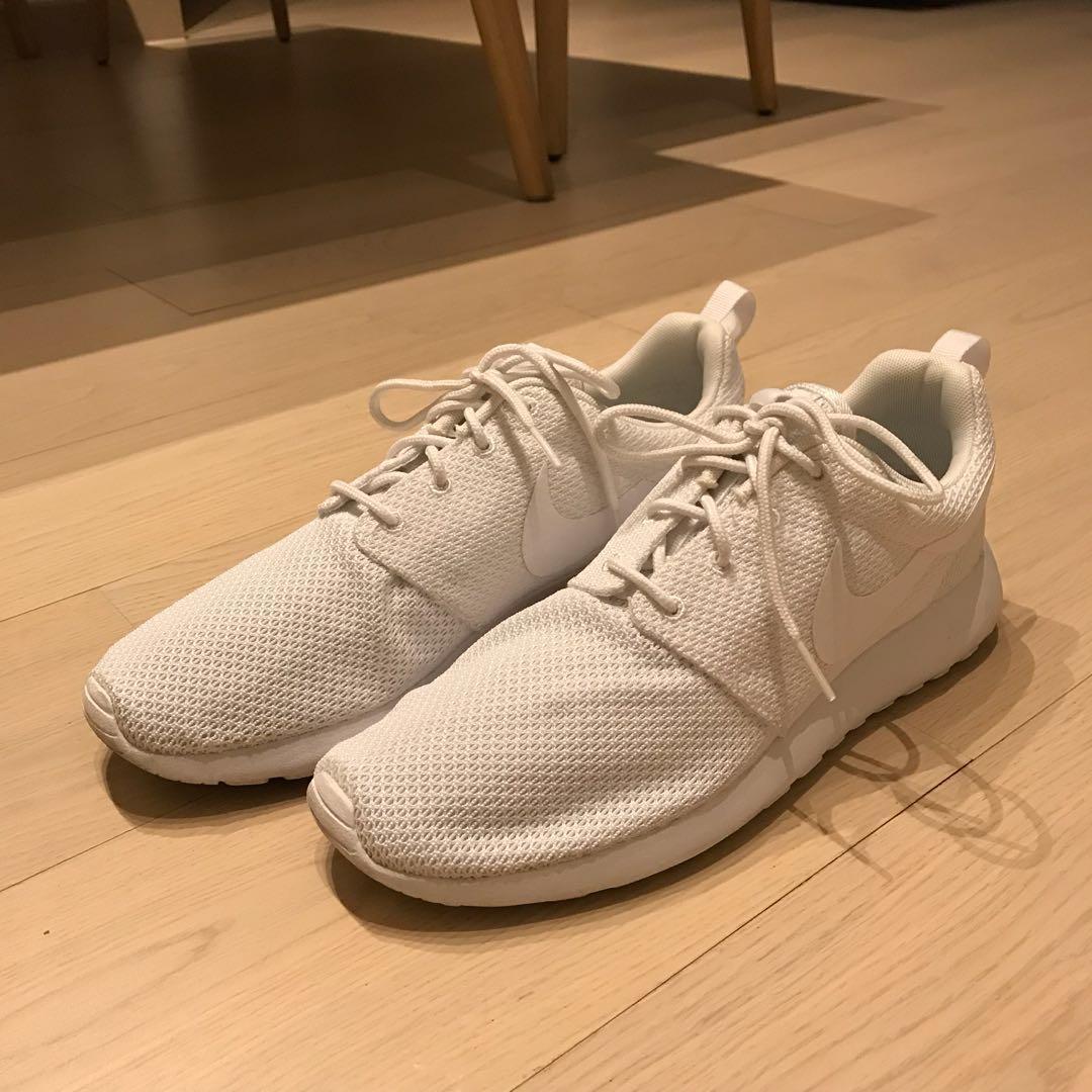 official photos 65951 b7ec2 Nike Roshe Run Triple White