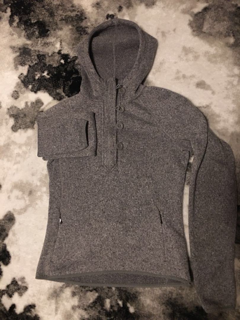North face hoodie S size perfect condition