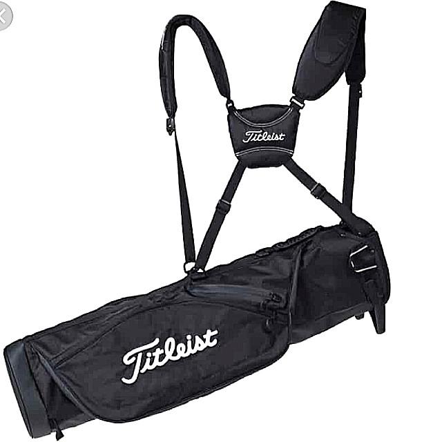 Superb Mint Near New Titleist Premium Carry Lightweight Golf Bag