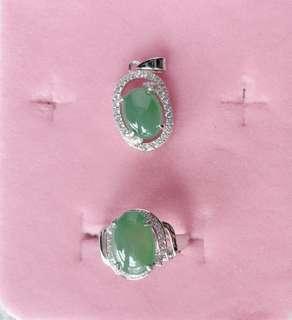 天然翡翠A貨925銀鑲嵌完美戒指吊咀套裝