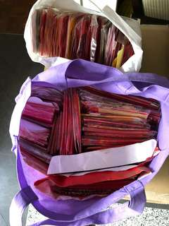 Old unused red packets! Thousands!