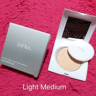 Pressed Powder Light Medium by Jafra