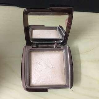 Barely used - Hourglass Luminous Light powder
