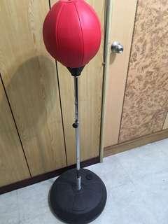 輕巧型拳擊座打擊練習器