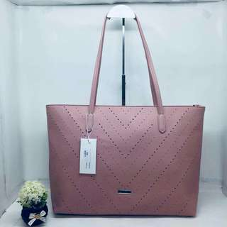 New design ladies bag  3color still available  Good quality  Pm to order  P850
