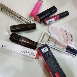 Lipstik, eyeliner dll