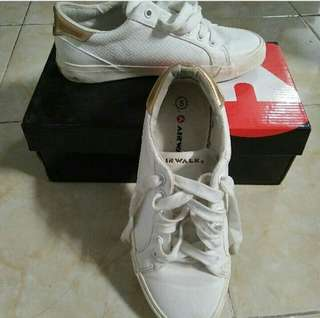 Airwalk white