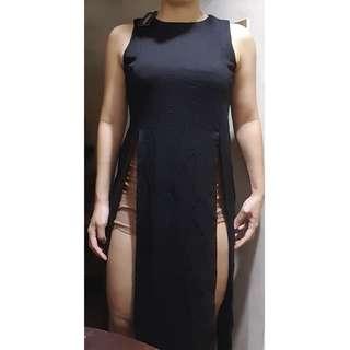 SM Woman Black Sleeveless Long Dress with Slits