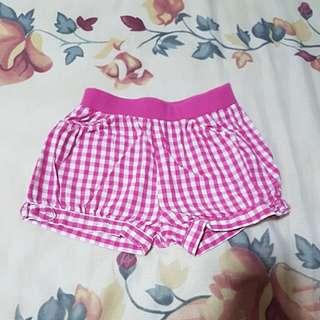 Uniqlo pink baby shorts
