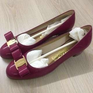 Ferragamo vara heels shoes 36 D