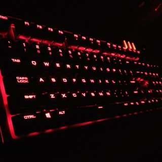 Corsair Strafe Cherry MX Red mechanical gaming keyboard