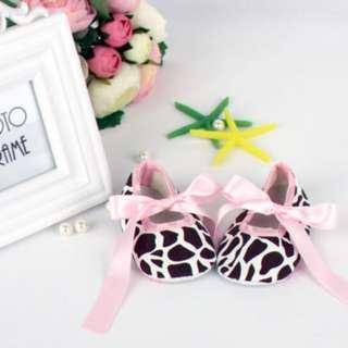 Giraffes prints baby prewalker shoes