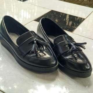 Sepatu Bershka