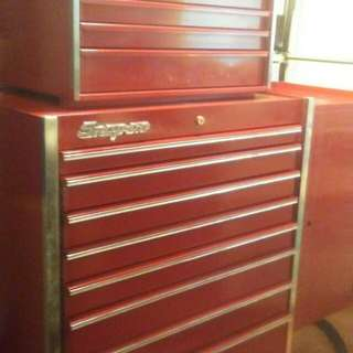 Snap-on toolbox without tools