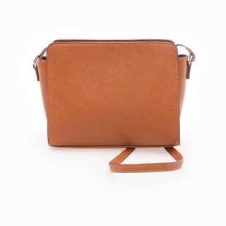 Stradivarius medium sling bag