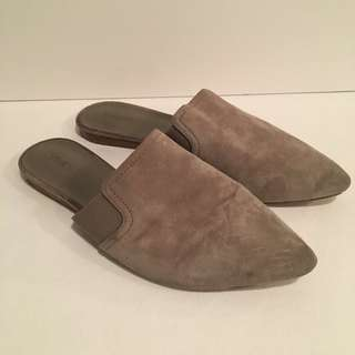 Vince size 37 slides mules slippers suede