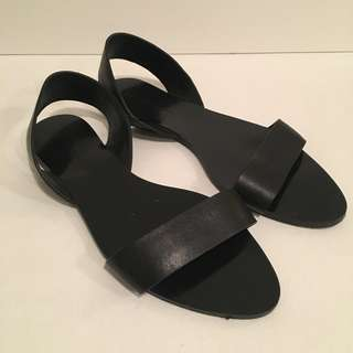 Zara 37 sandals Black leather