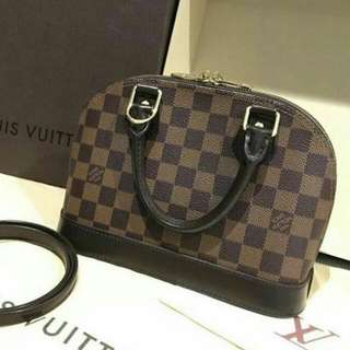 Loyis Vuitton Alma Bb