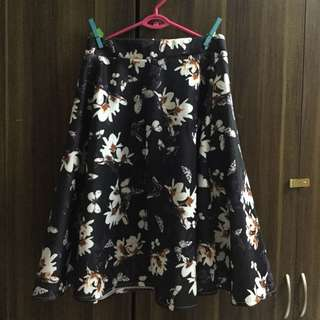 Floral box pleated skirt