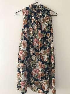 Vintage looking floral dress