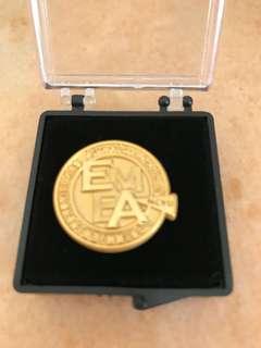 鍍金紀念章