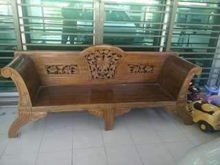 Kerusi kayu untuk dilepaskan