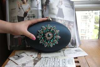 Emerald Clutch ( Without Chain )