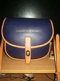 Dooney & Bourke Claremomt field bag Original Sling bag for woman (Navy Blue)