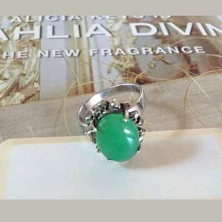 Vintage 70s agate green stone stud in white gold plated ring 7