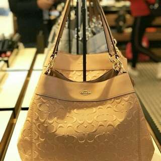 Lexy Shoulder Bag . Style no f25954