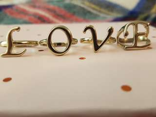 TOPSHOP Set of 4 Individual LOVE Rings Size 8
