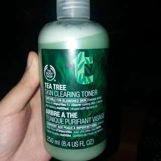 Tea tree skin clearing toner